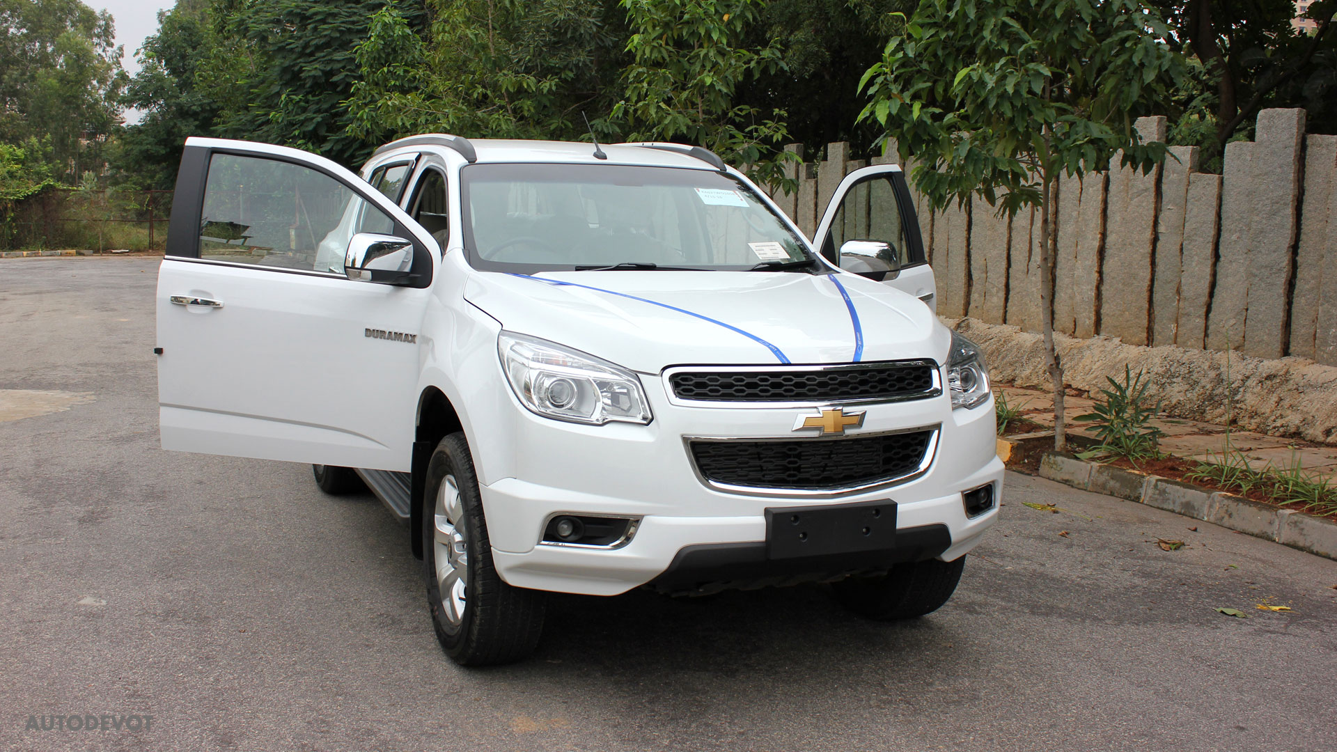 Chevrolet Trailblazer 2015 >> 2015 Chevrolet Trailblazer Gallery Autodevot