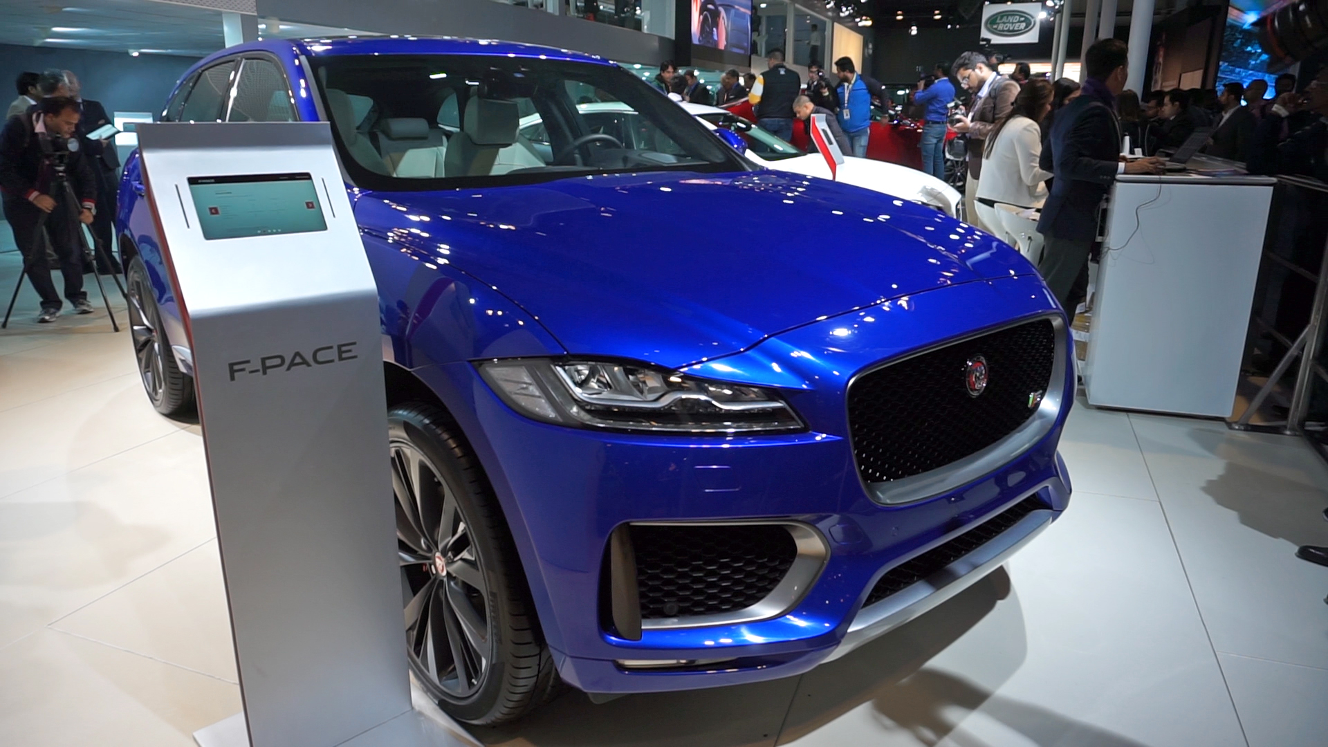 jaguar f pace india specs revealed autodevot. Black Bedroom Furniture Sets. Home Design Ideas