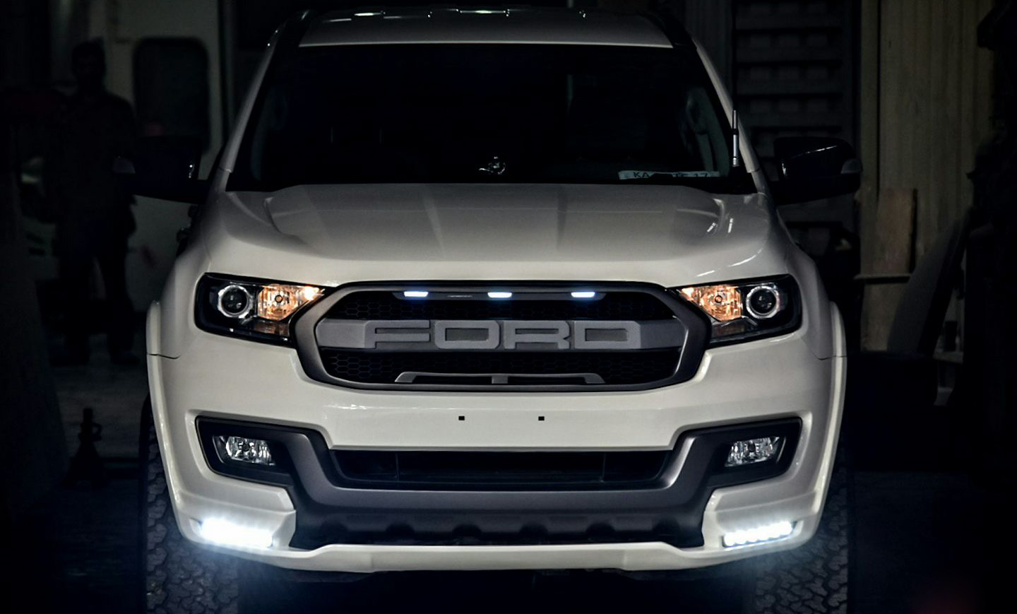 Ford Endeavour Tastefully Modified By Motormind Autodevot