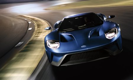 2017-Ford-GT-on-track