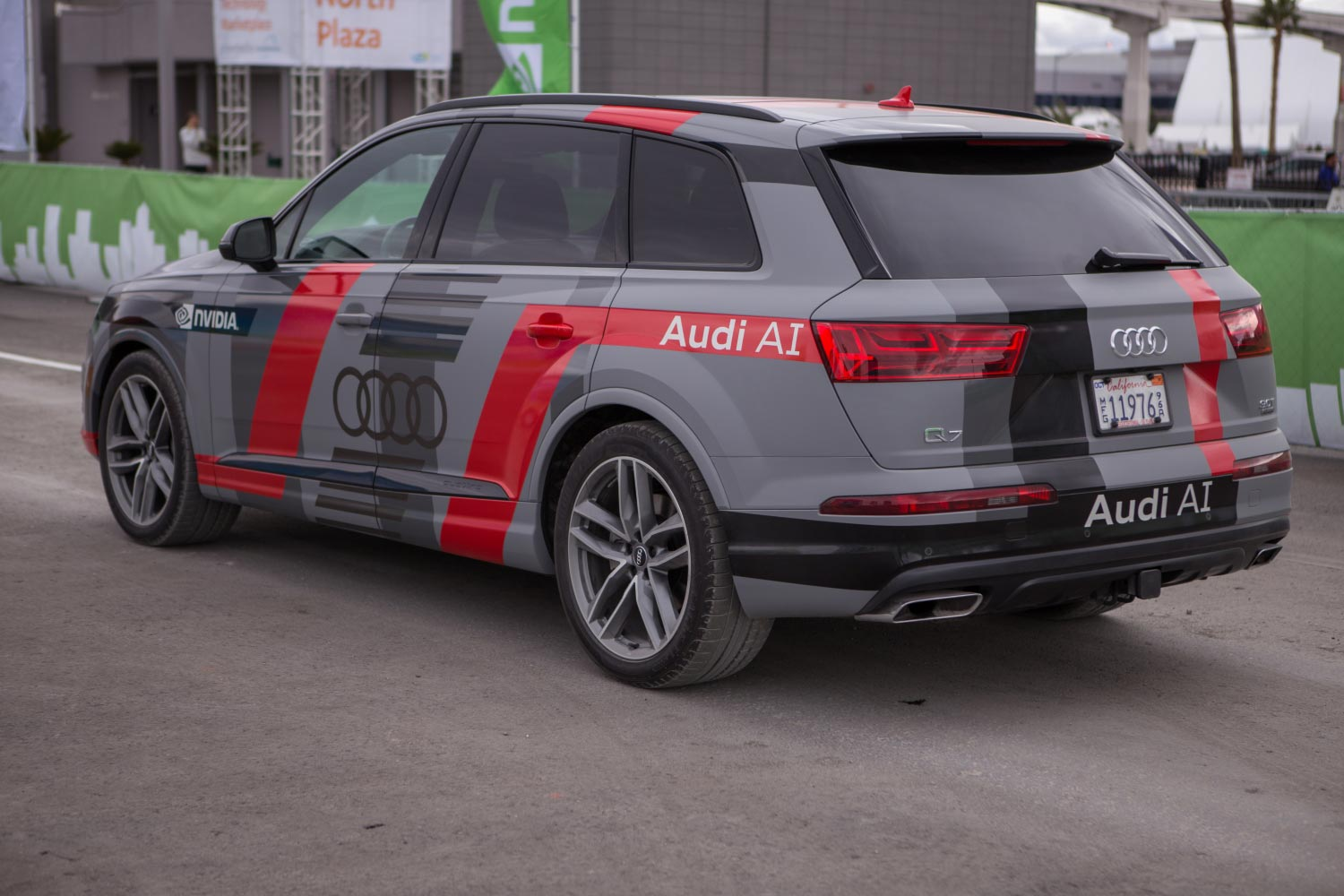 audi-q7-piloted-driving-concept