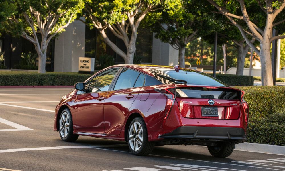 2016-Toyota-Prius-Hybrid-4