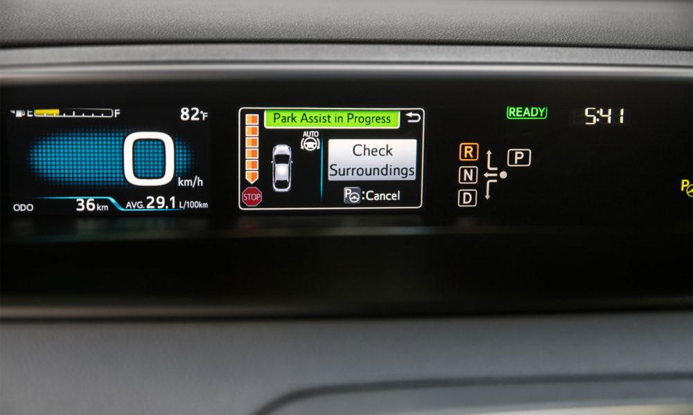 2016-Toyota-Prius-Hybrid-interior-3