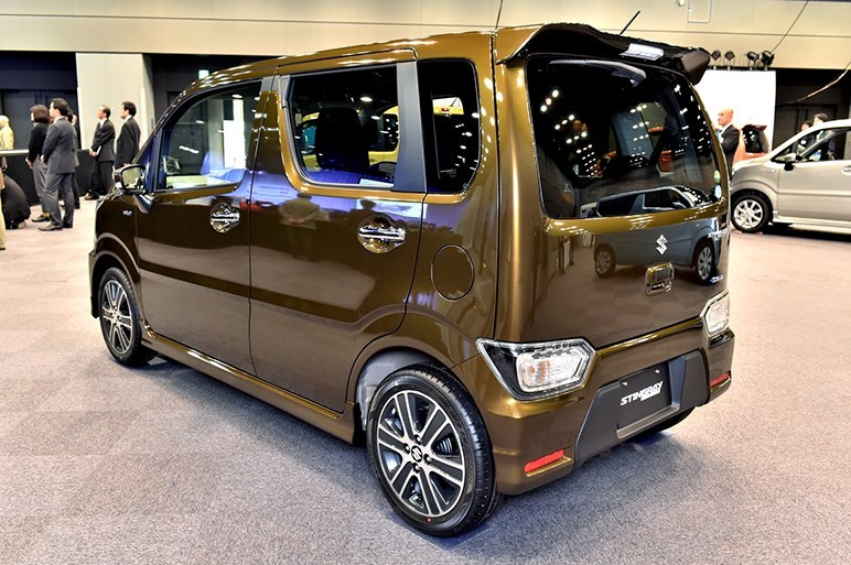 2017-Suzuki-WagonR-Stingray3