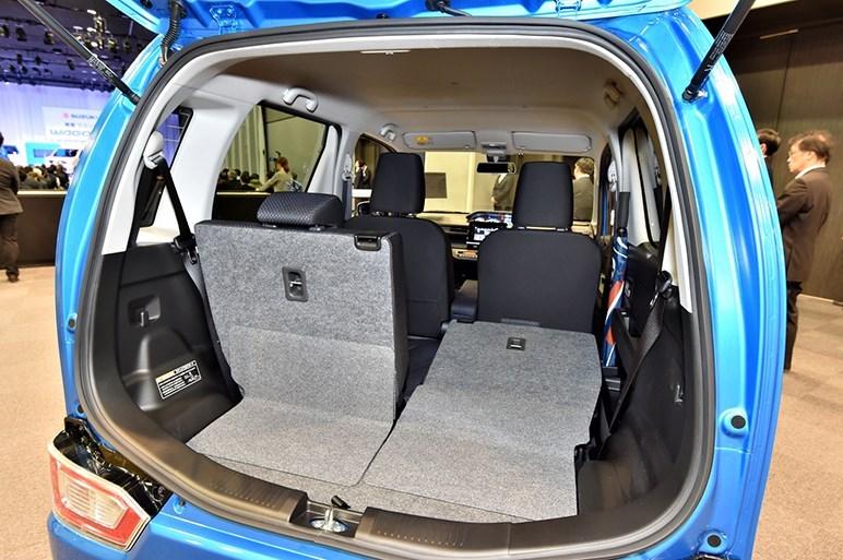 2017-Suzuki-WagonR-interior8