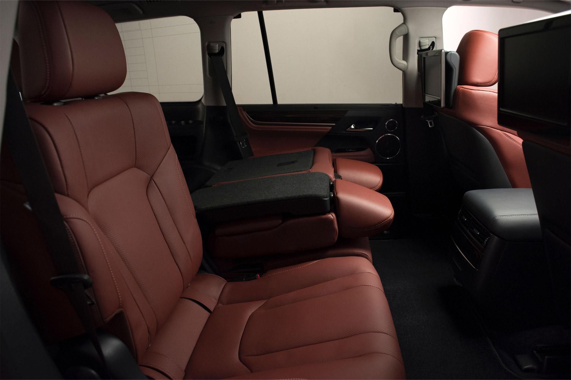 Lexus_LX_570-interior-4
