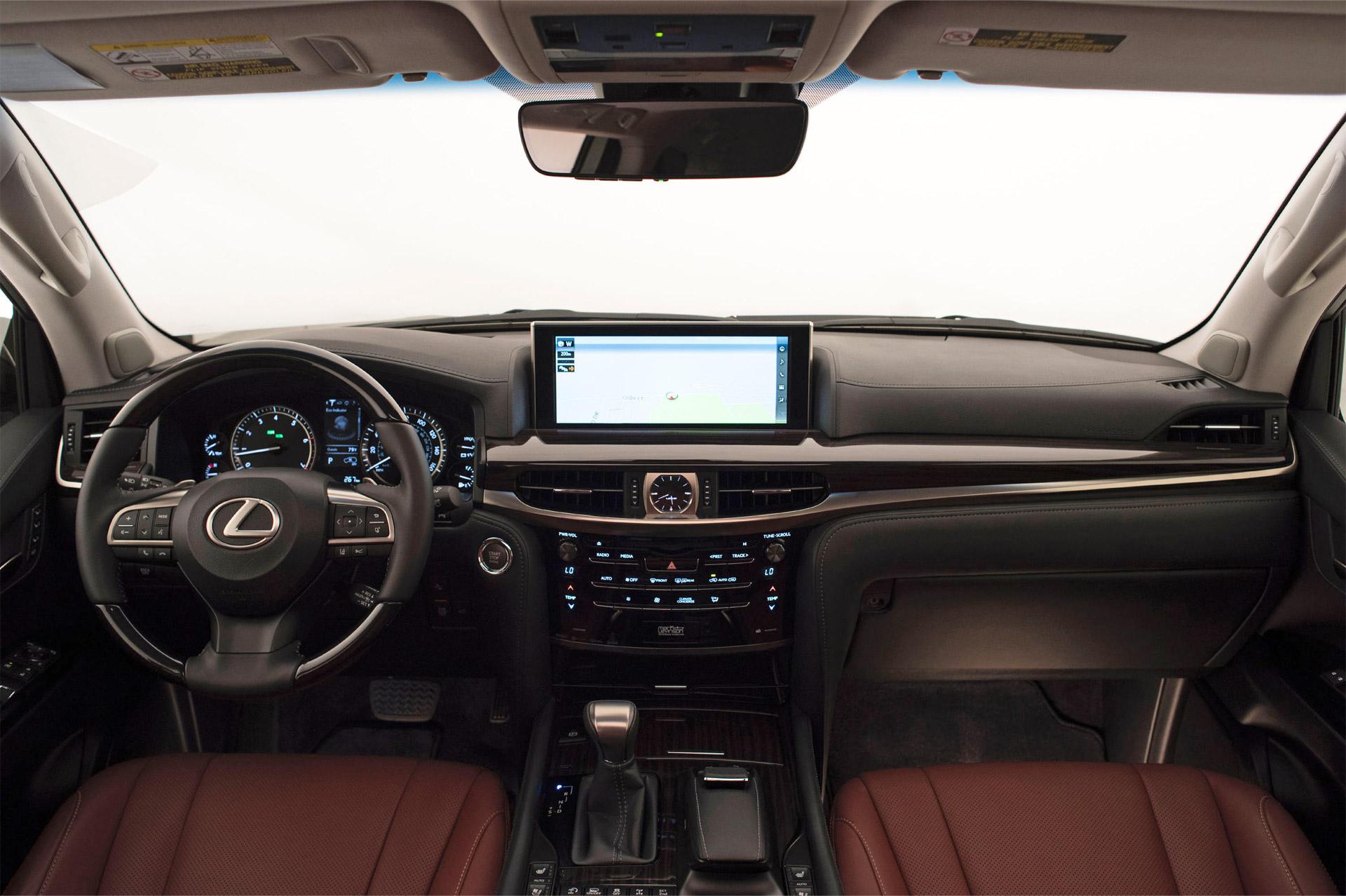 Lexus_LX_570-interior