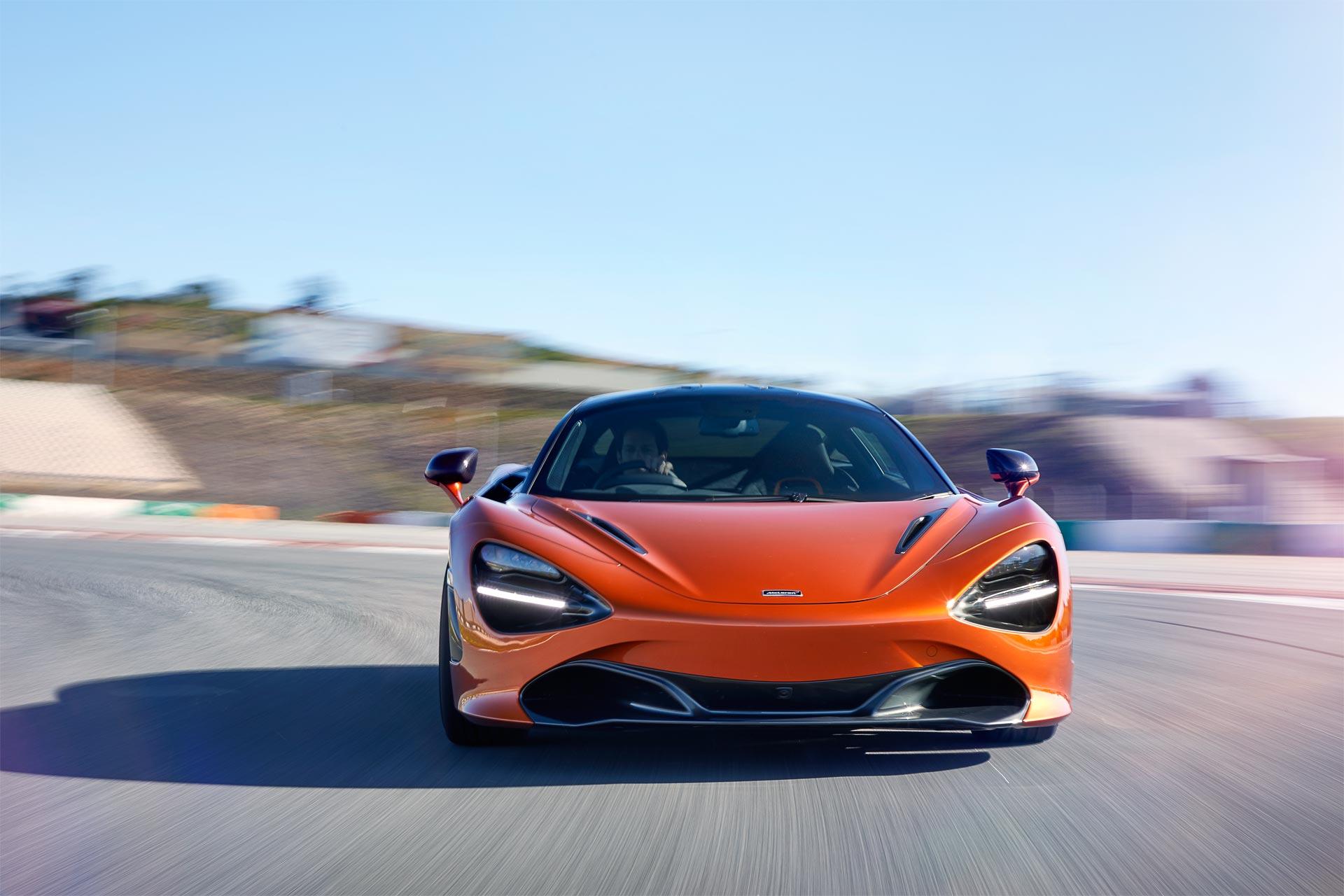 McLaren-720S-6