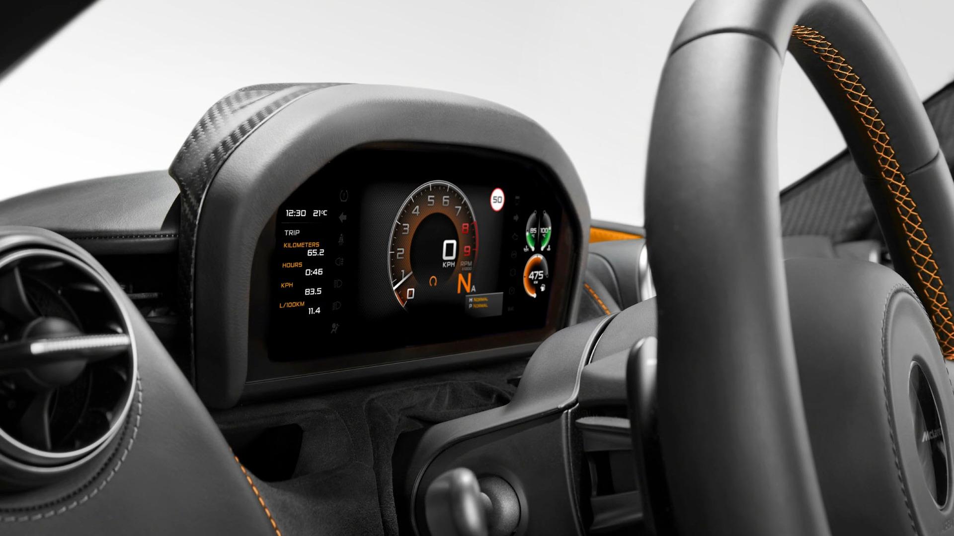 McLaren-720S-interior-3