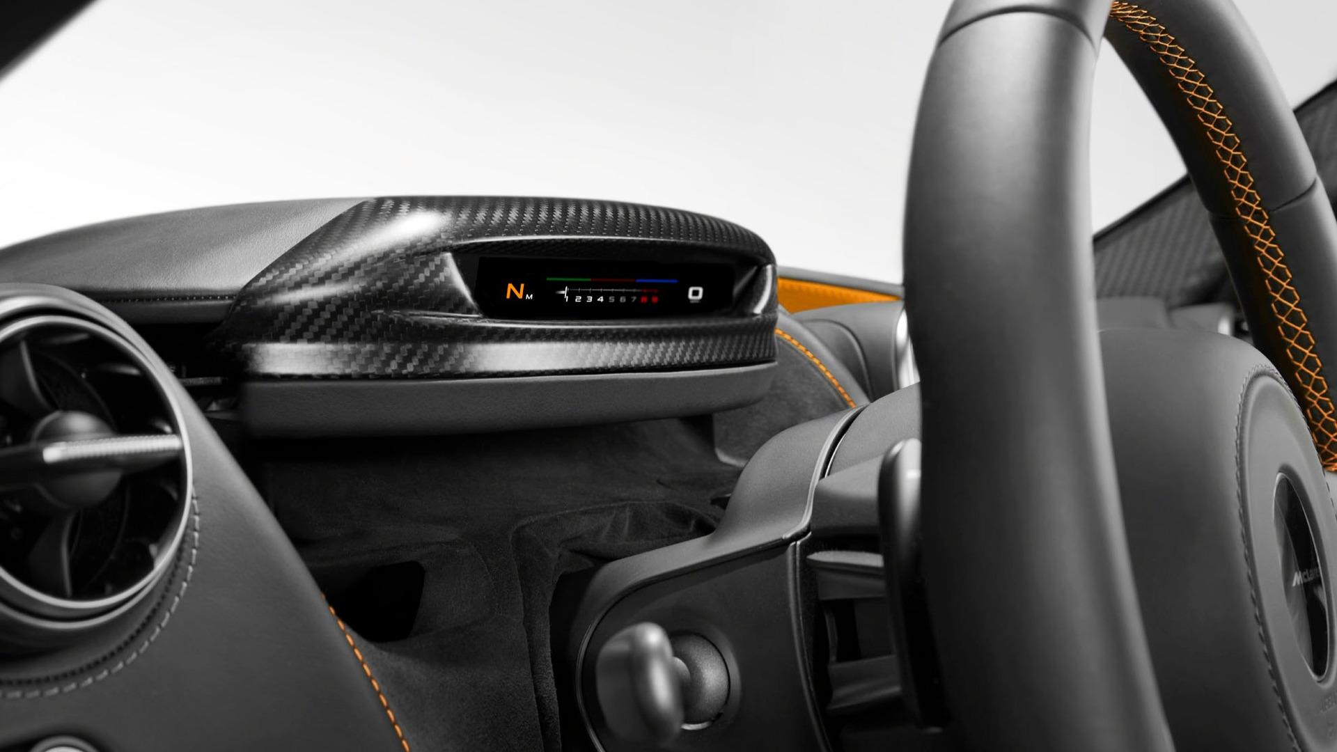 McLaren-720S-interior-4