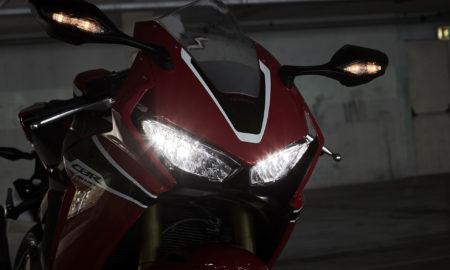 Honda_CBR1000RR_Fireblade-2