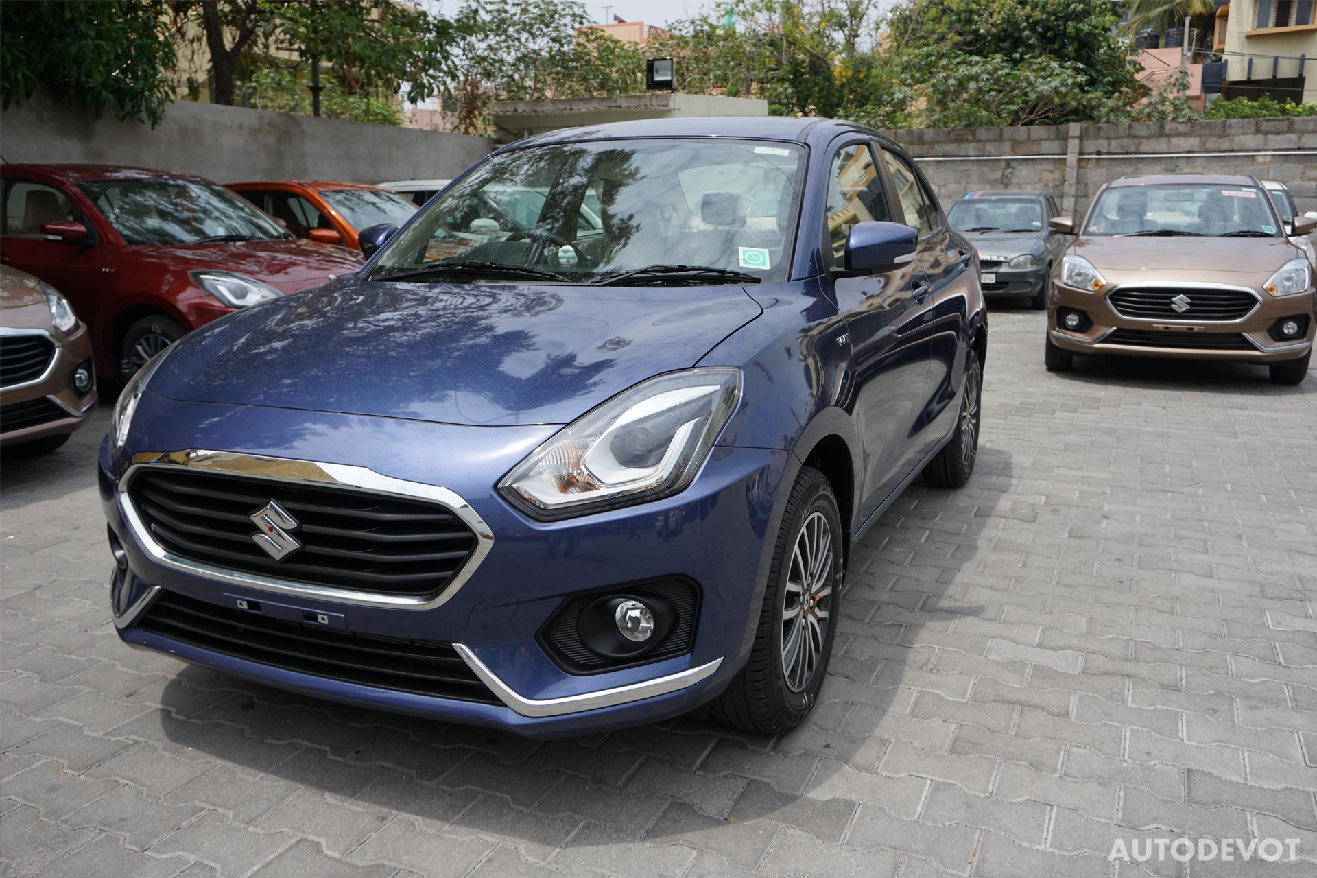 Video: Maruti Suzuki Dzire 2017 - Autodevot