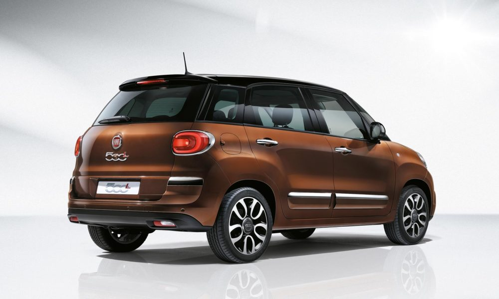 fiat 500l facelift unveiled 40 new components autodevot. Black Bedroom Furniture Sets. Home Design Ideas