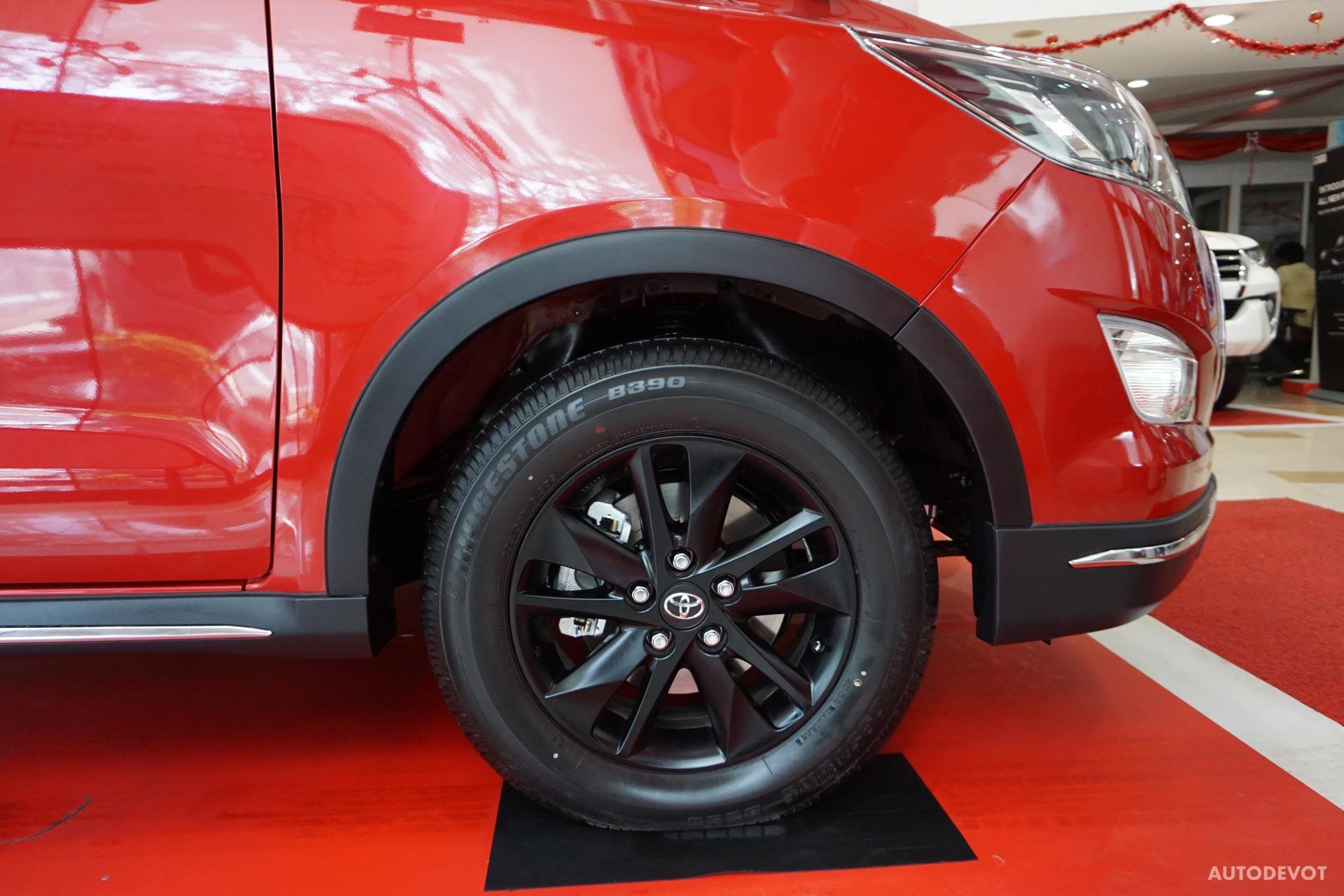 Toyota-Innova-Touring-Sport-5