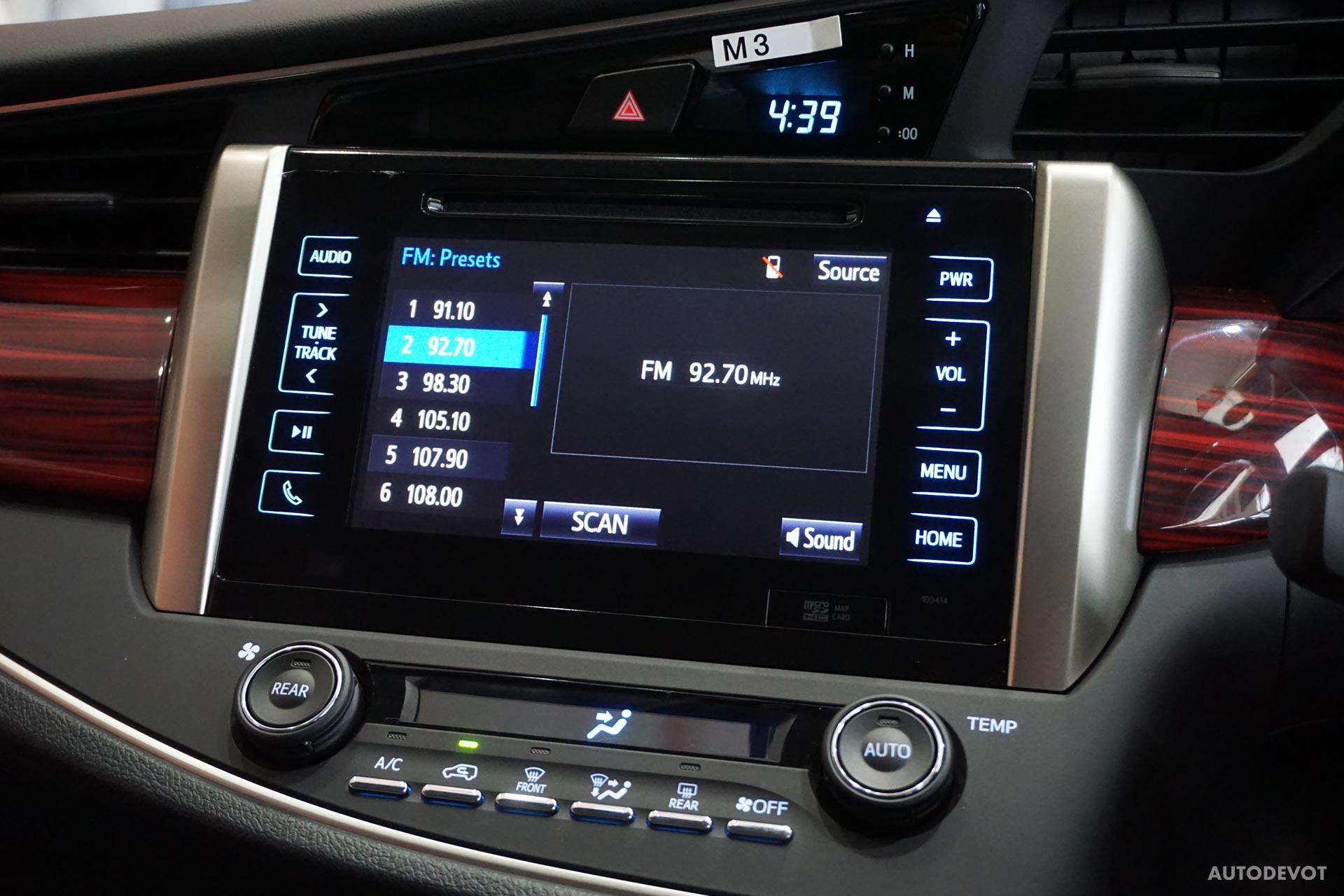 Toyota-Innova-Touring-Sport-interior-2