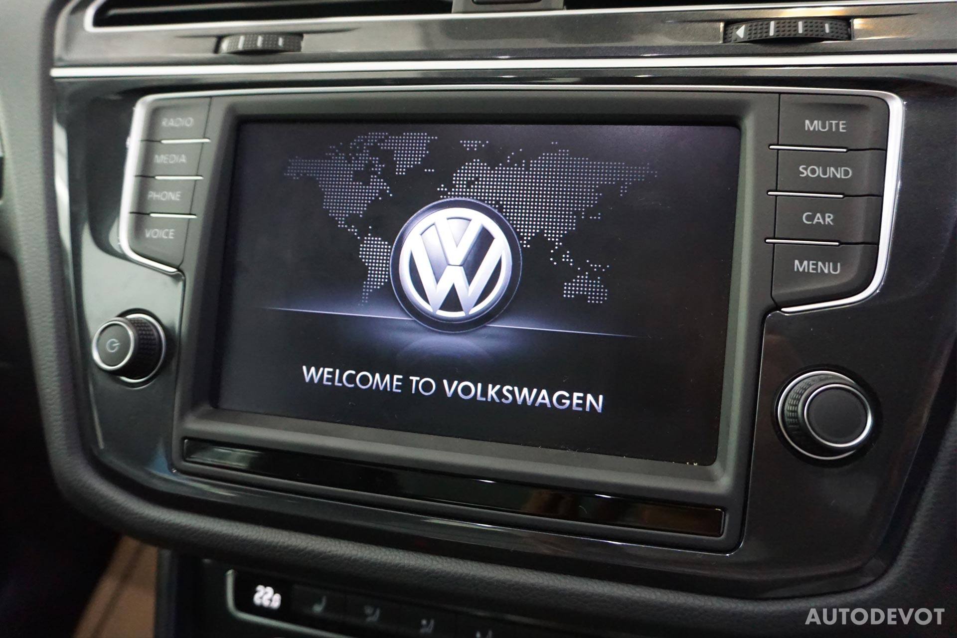 Volkswagen-Tiguan-India-interior-4