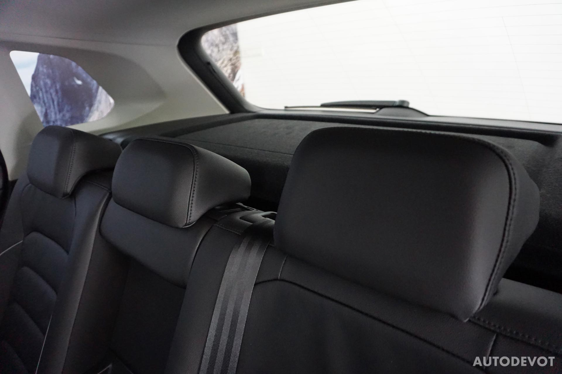 Volkswagen-Tiguan-India-interior-8