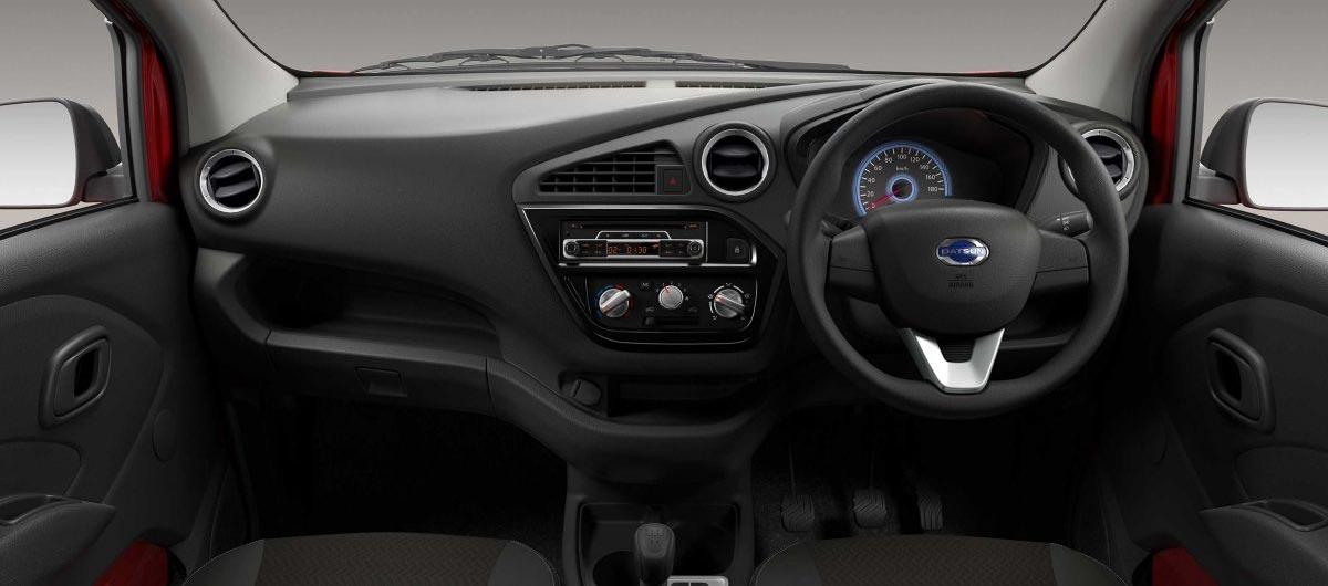 Datsun-Redi-Go-1.0-interior