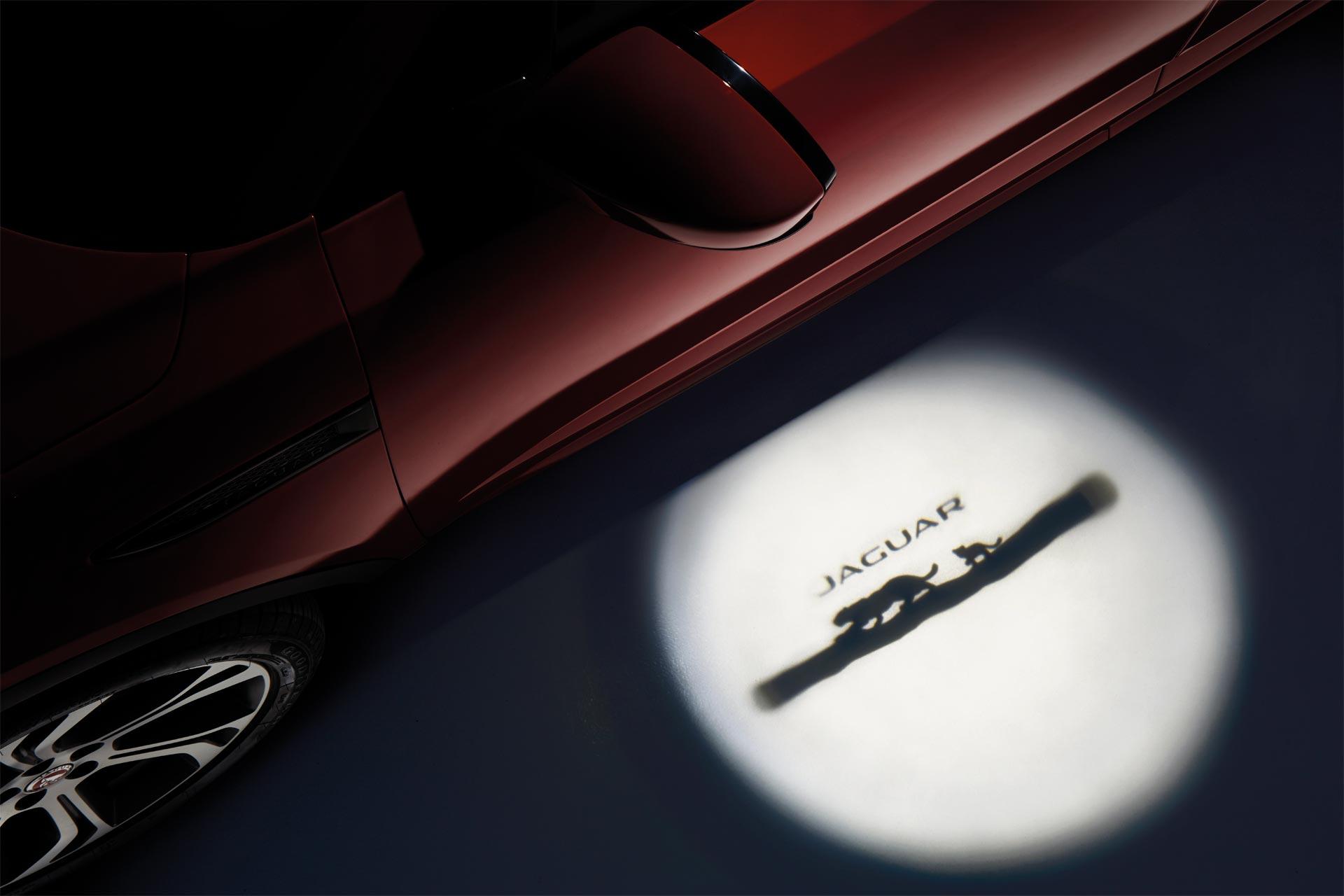 Jaguar-E-Pace_13