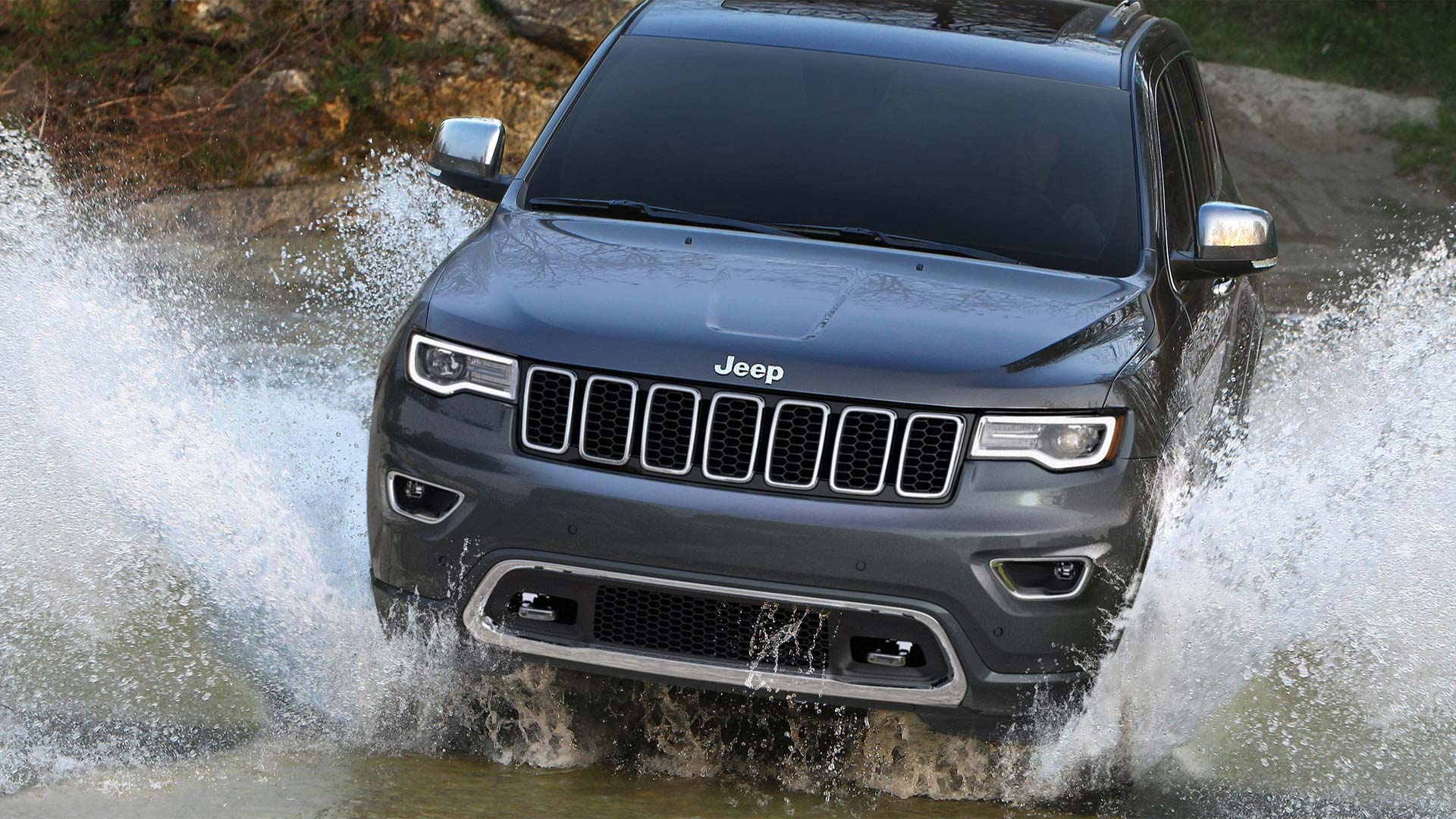 jeep grand cherokee summit petrol launched at rs lakh autodevot. Black Bedroom Furniture Sets. Home Design Ideas