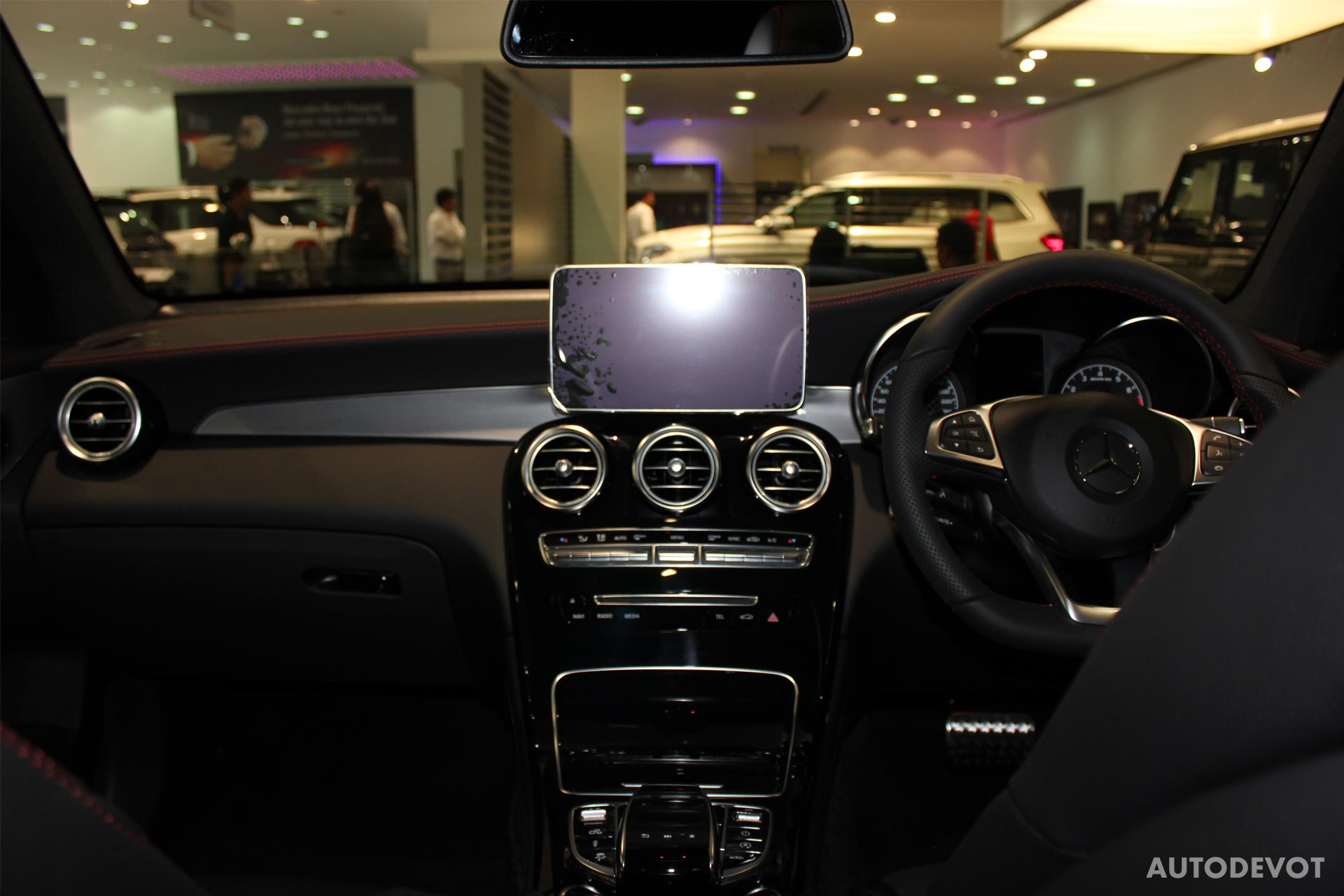 Mercedes-AMG-GLC-43-Coupe-interior_3