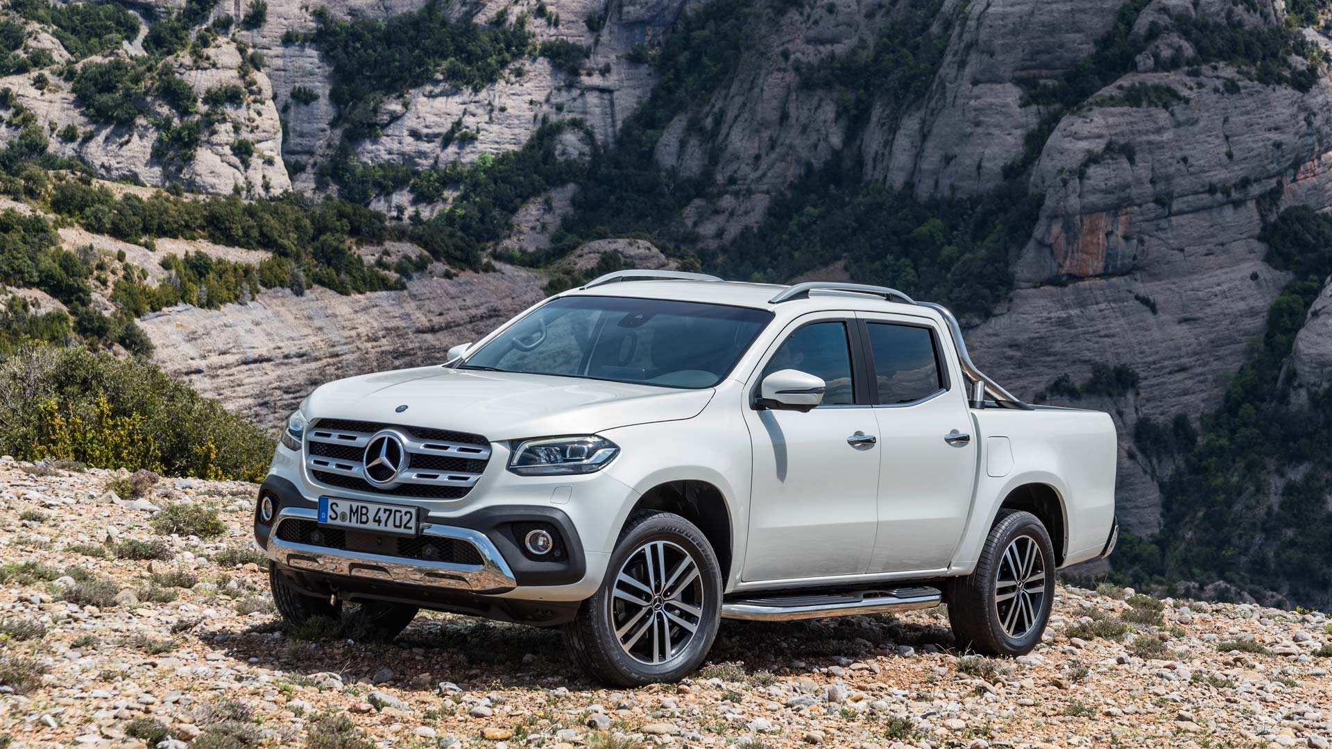 mercedes benz x class debuts in south africa priced at 37 294 autodevot. Black Bedroom Furniture Sets. Home Design Ideas