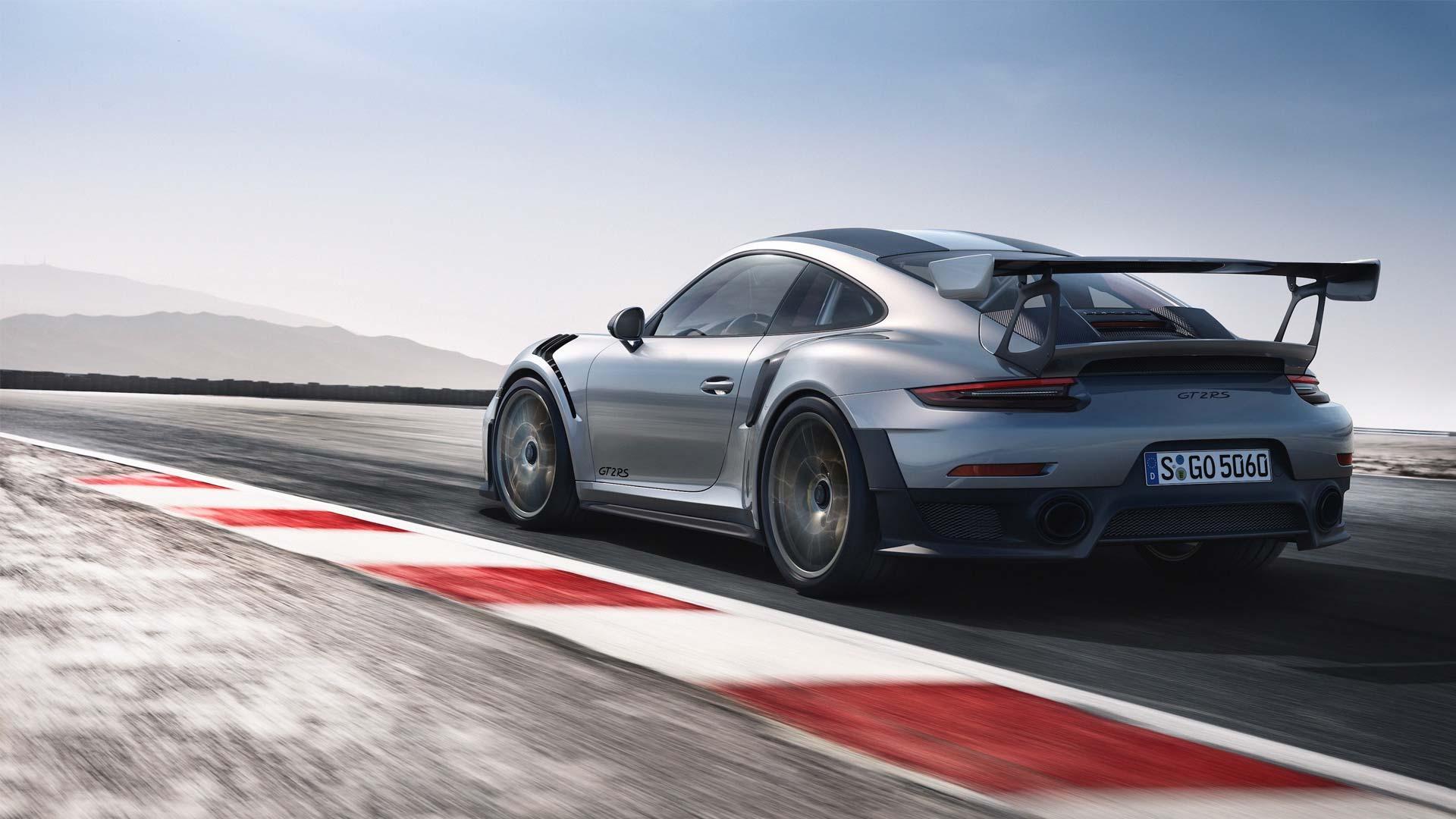 Porsche-911-GT2-RS-2