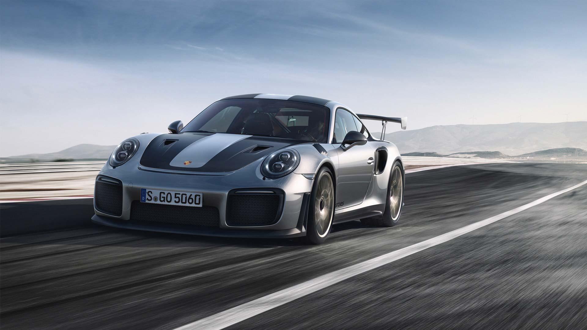Porsche-911-GT2-RS-5