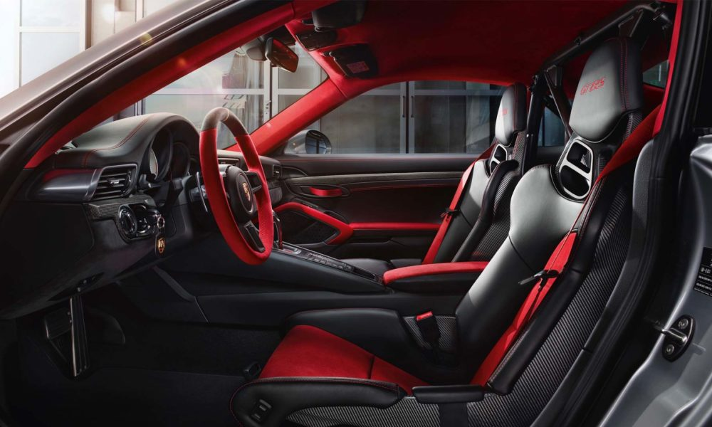 Porsche-911-GT2-RS-interior-2