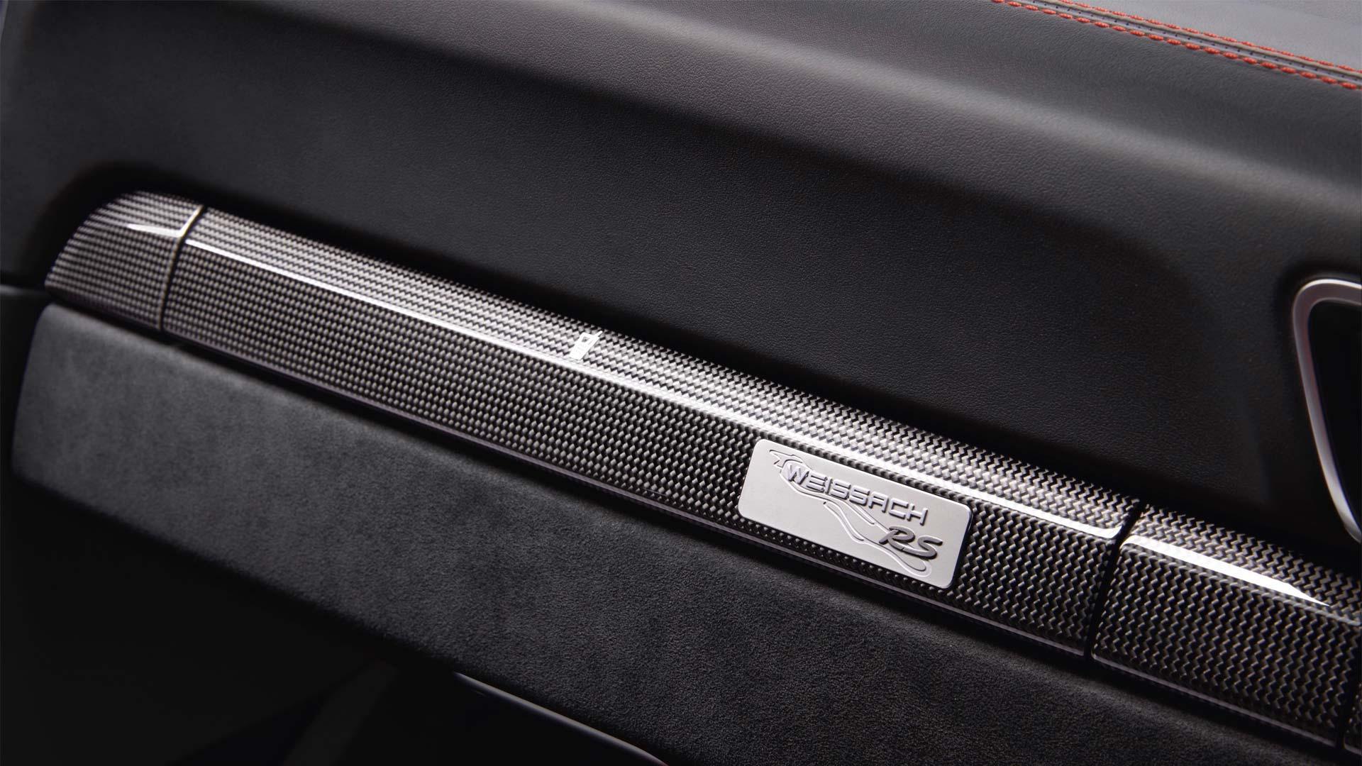 Porsche-911-GT2-RS-interior-4