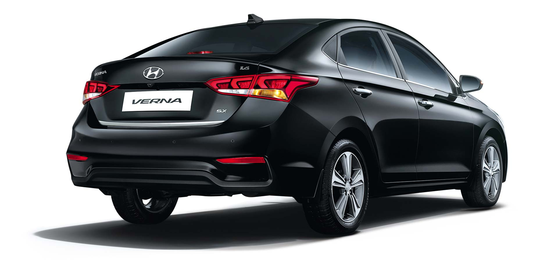 2017-Hyundai-Verna-India_2