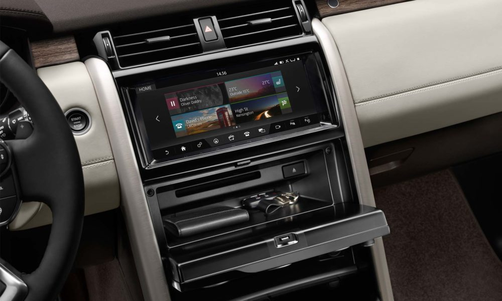 2017-Land-Rover-Discovery-interior_2