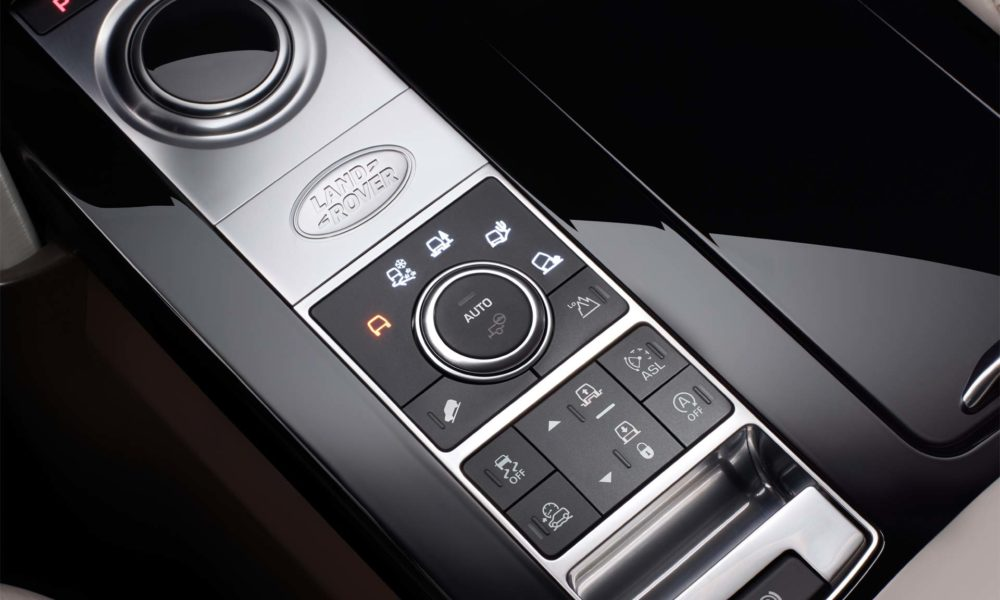 2017-Land-Rover-Discovery-interior_3