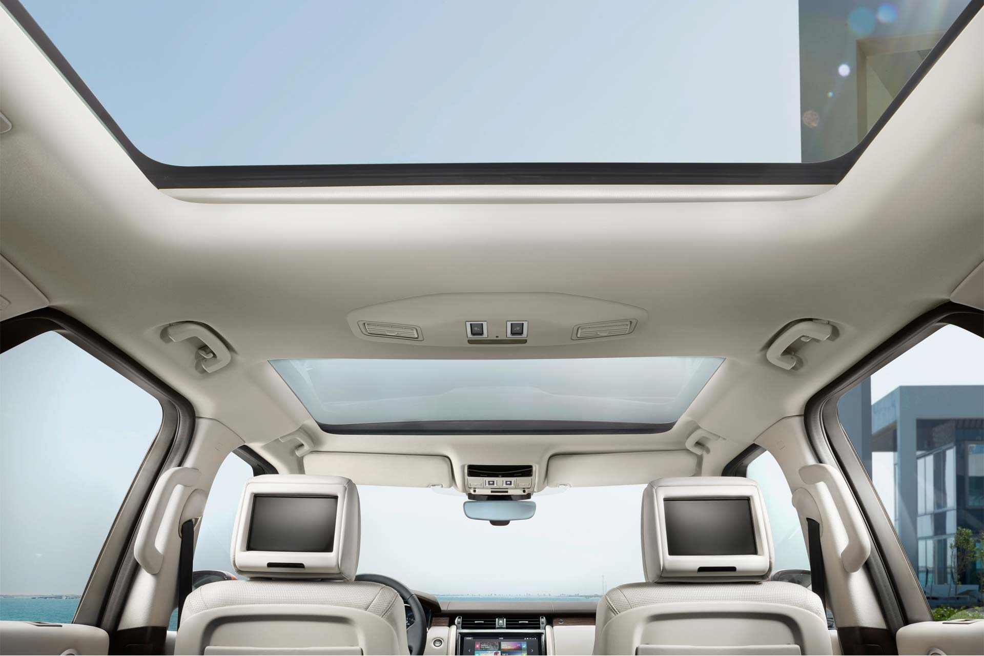2017-Land-Rover-Discovery-interior_5