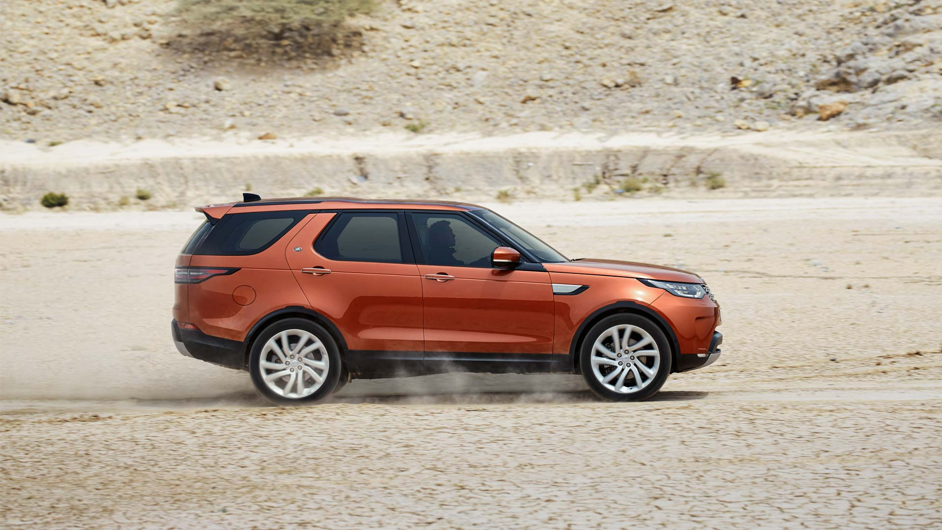 2017-Land-Rover-Discovery_2