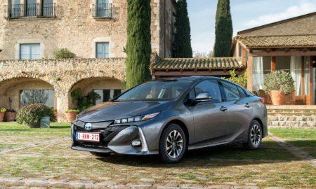 2017-Toyota-Prius-Plug-in-Hybrid