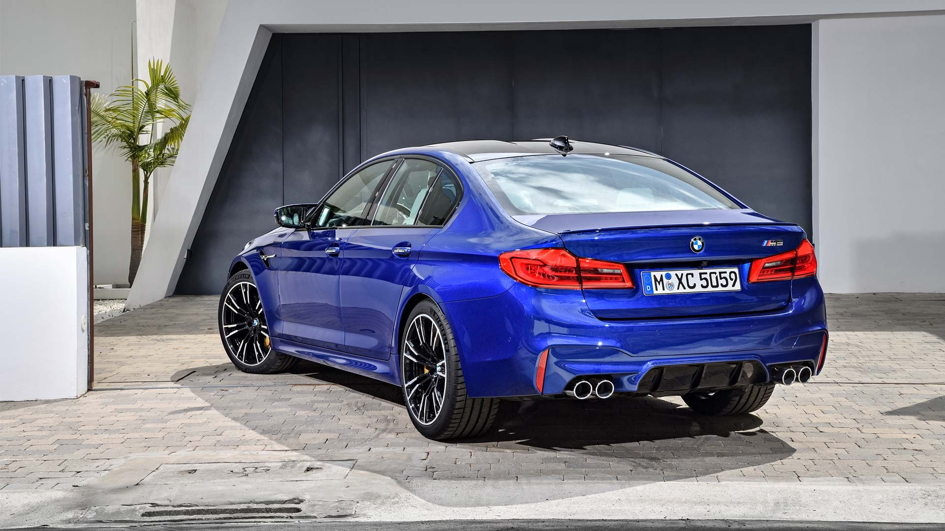 2018-BMW-M5_3
