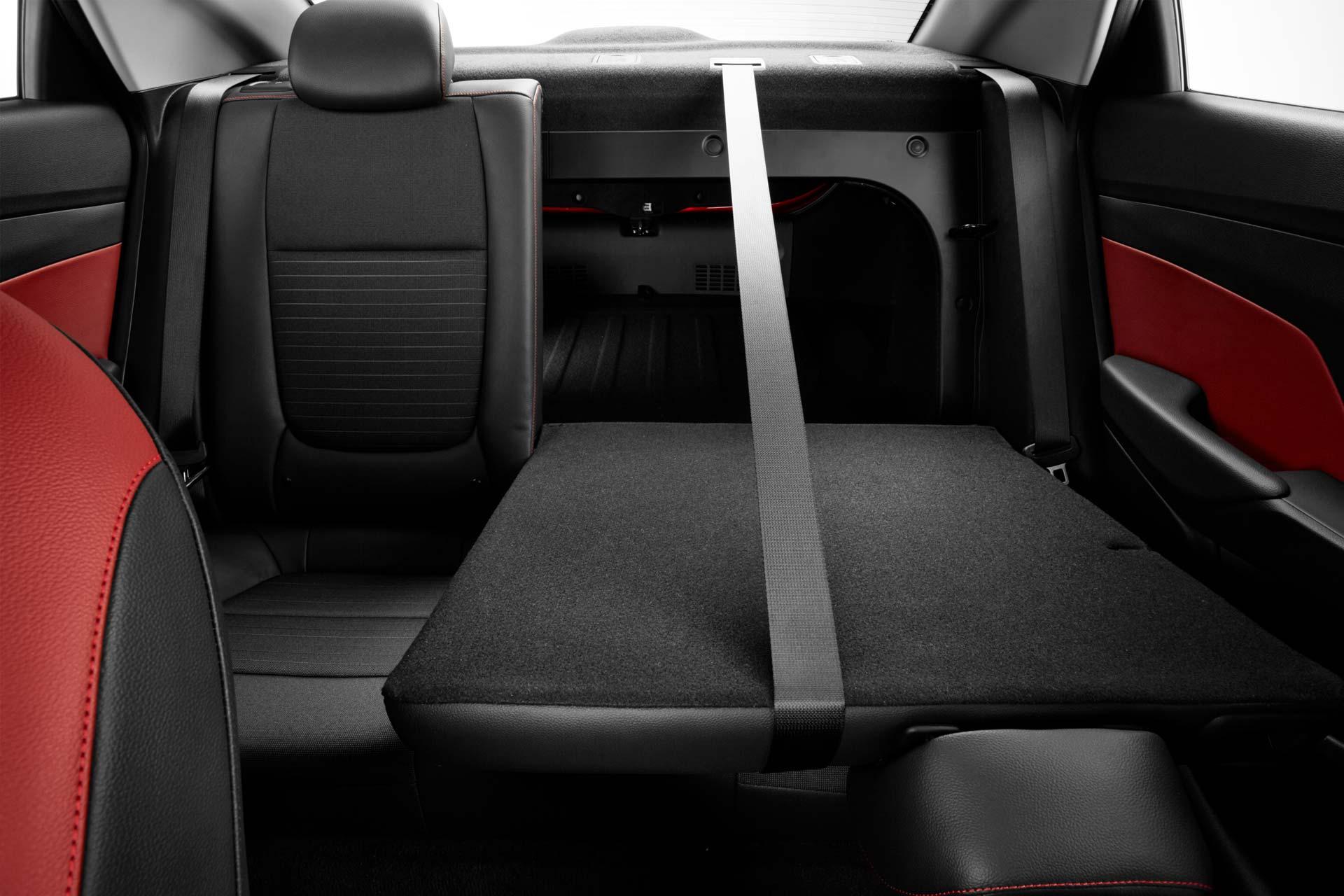 2018-Hyundai-Verna-facelift-interior_7