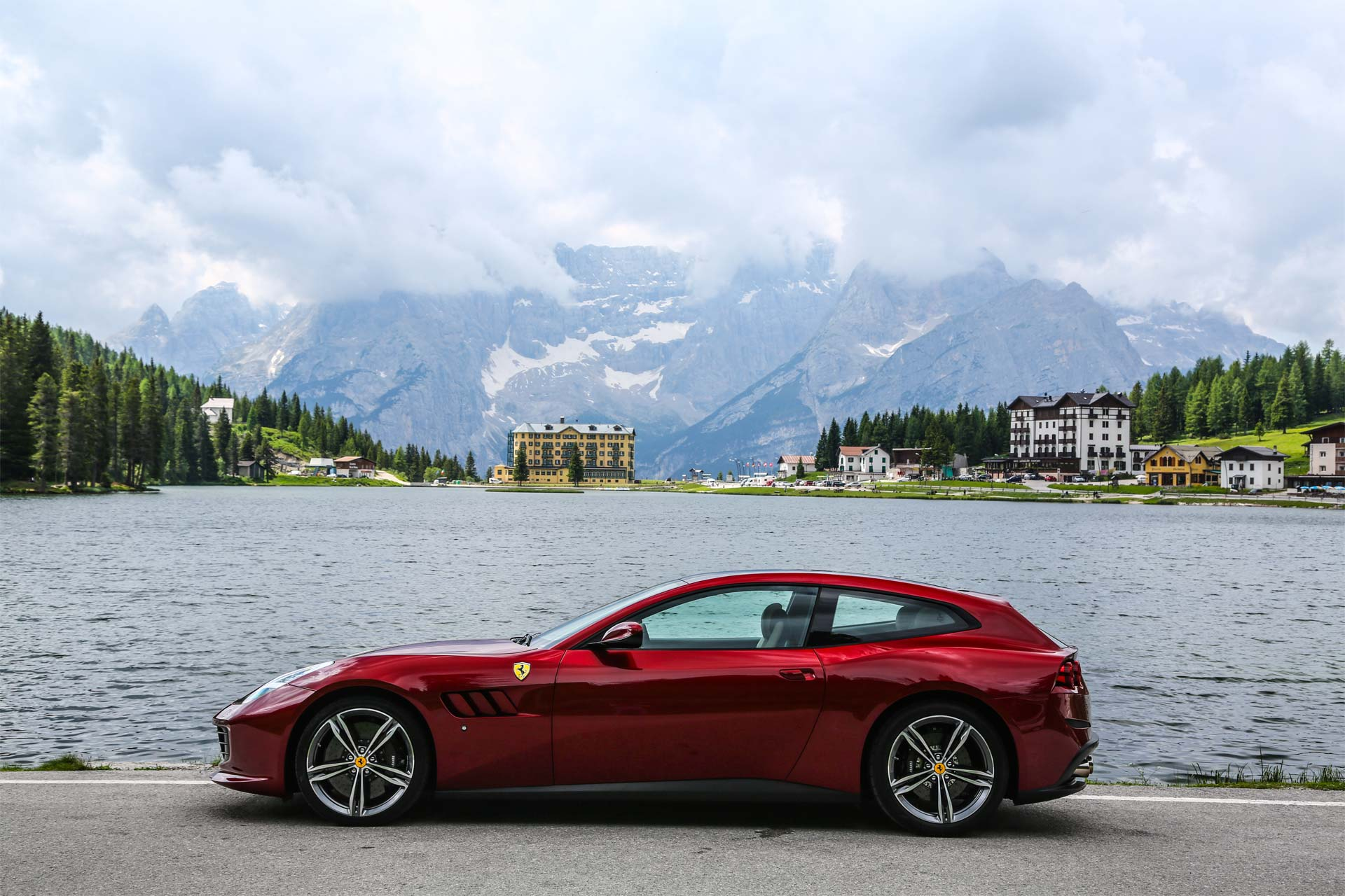 Ferrari Gtc4lusso And Gtc4lusso T Launched In India