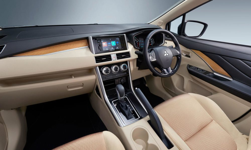 Mitsubishi-Xpander-interior