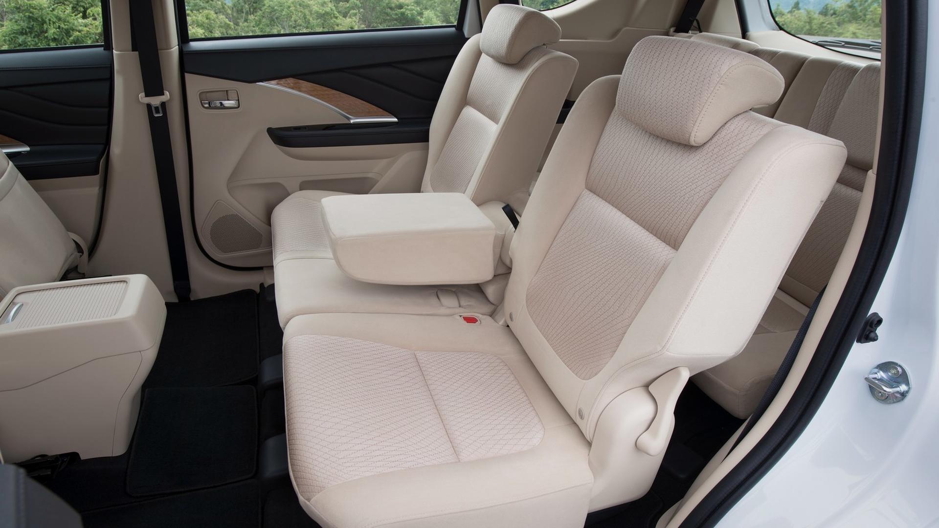 Mitsubishi-Xpander-interior_4