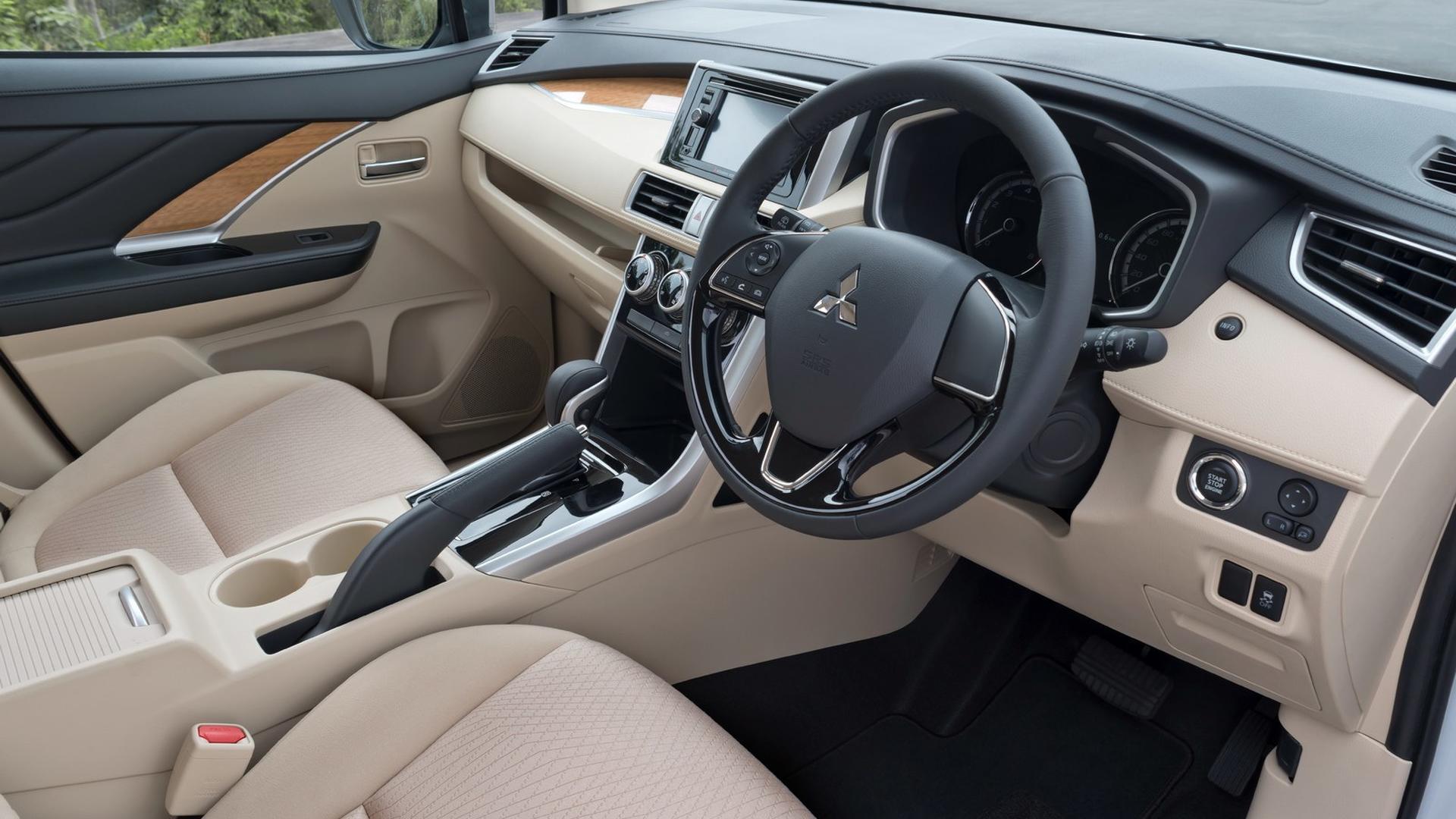Mitsubishi-Xpander-interior_5