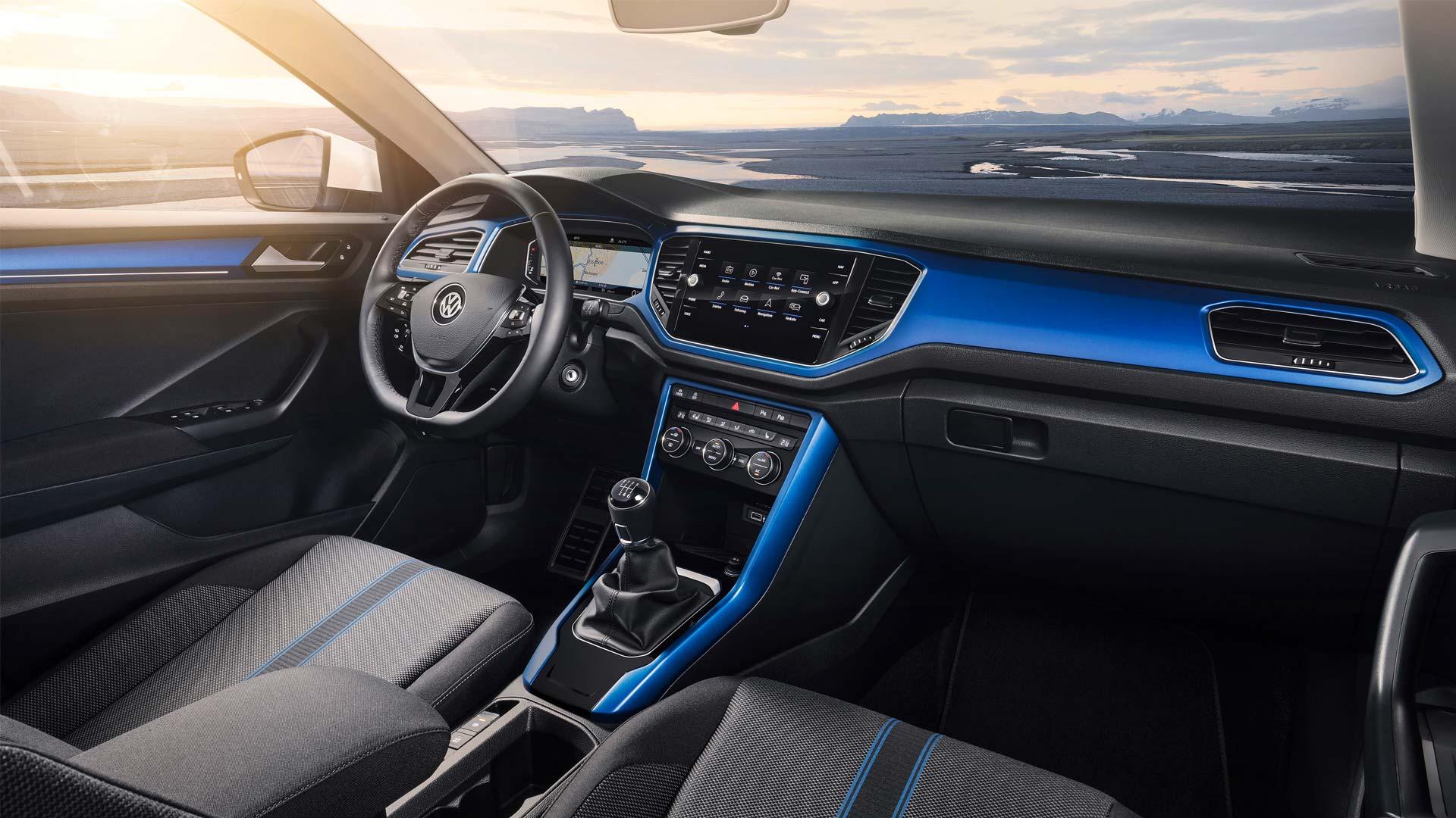 Volkswagen-T-Roc-interior_2