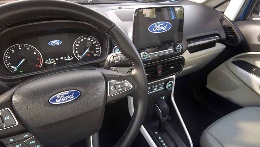 2018-Ford-EcoSport-interior_2