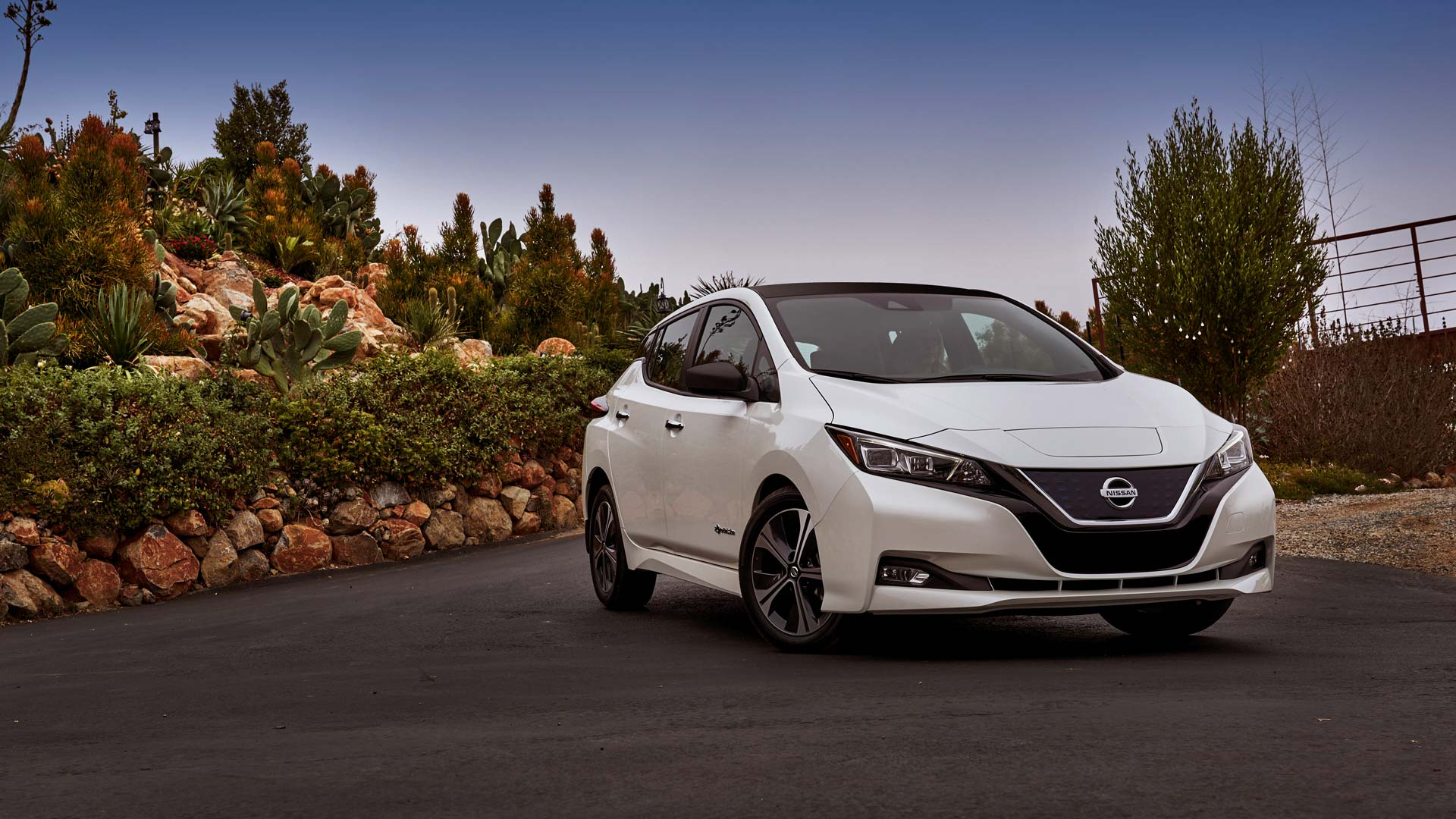 Nissan To Introduce Leaf Ev In India This Fy Autodevot