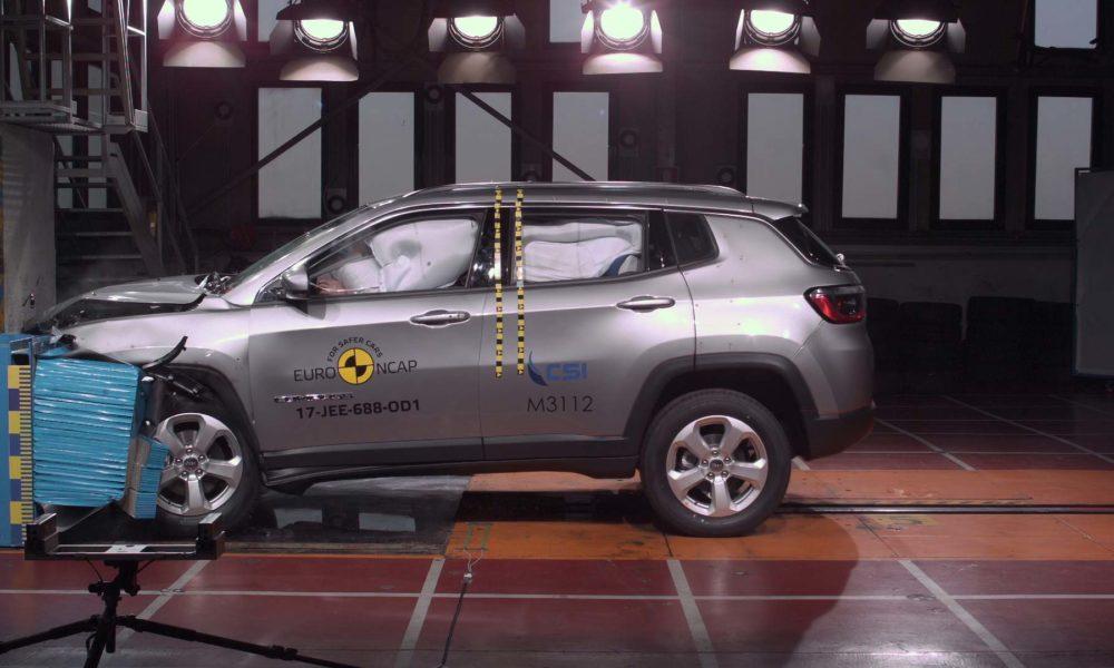 jeep compass scores 5 stars in euro ncap crash test autodevot. Black Bedroom Furniture Sets. Home Design Ideas