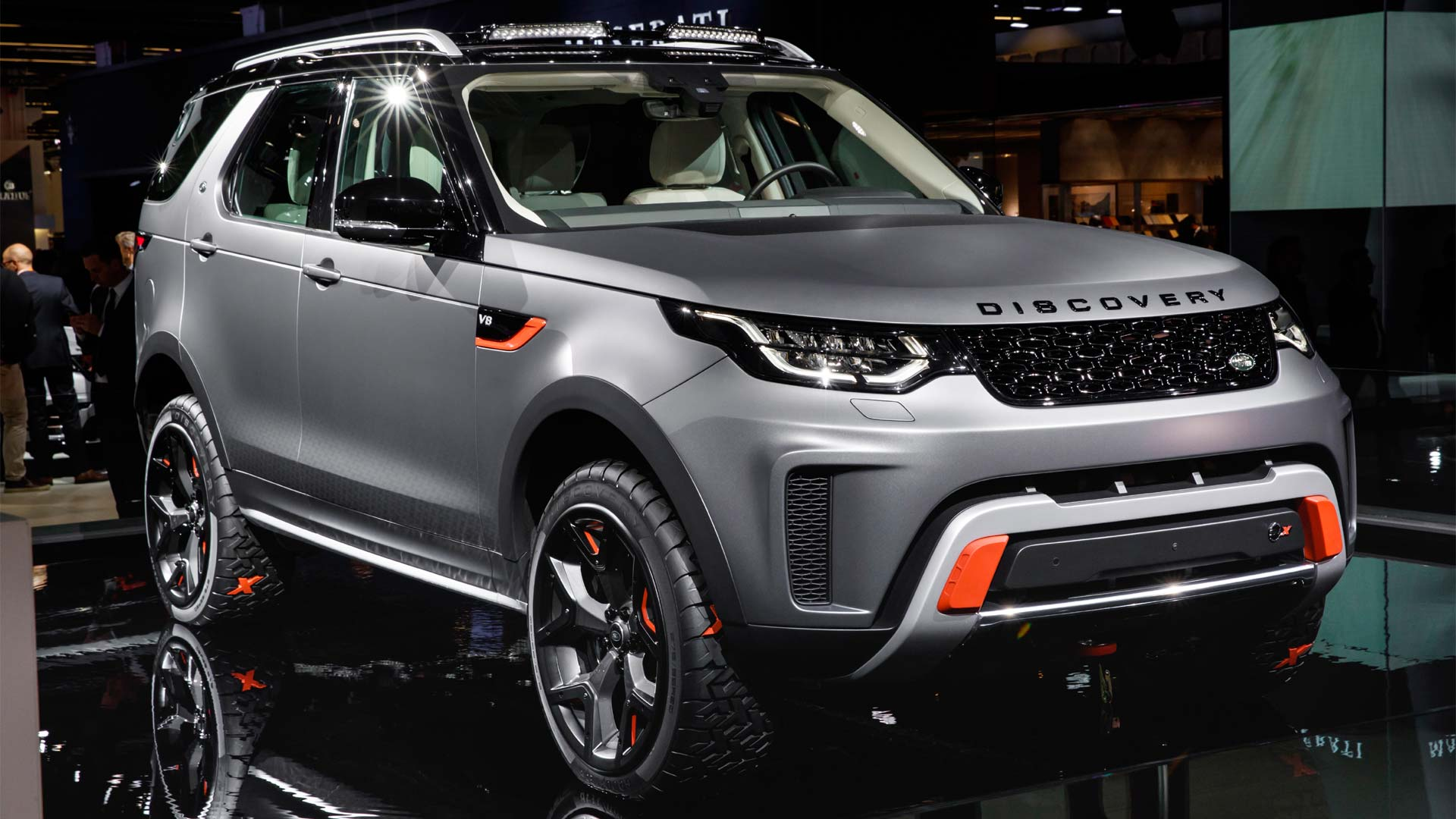 Land Rover Lr4 Off Road Accessories >> Land Rover Discovery SVX is ready for your epic adventures - Autodevot