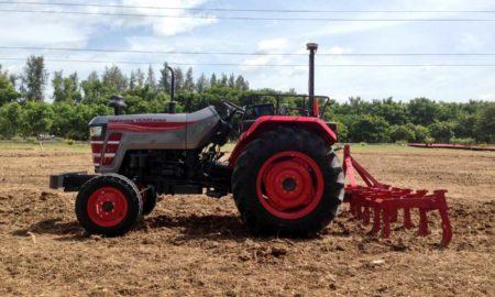 Mahindra-driverless-tractor