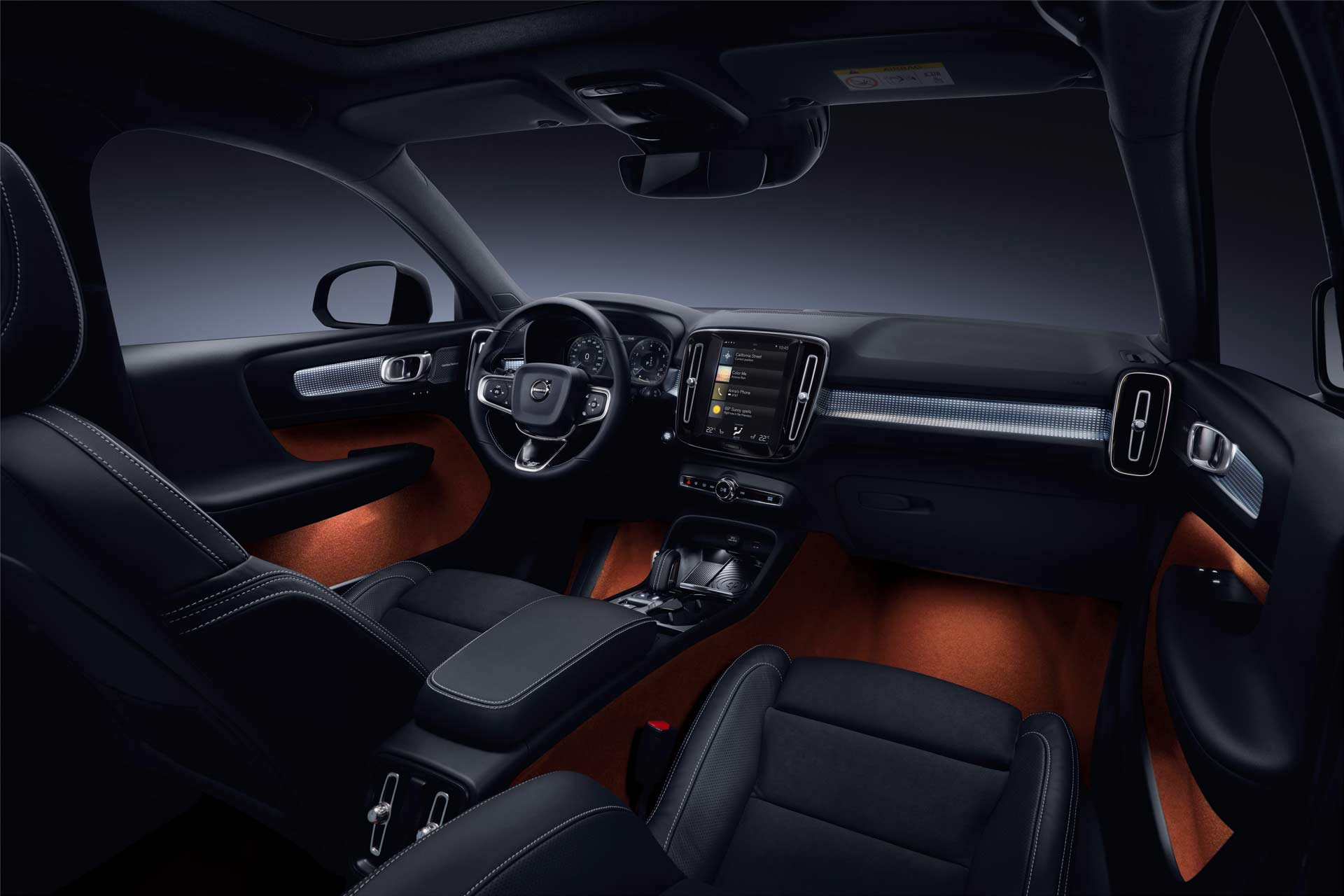 New-Volvo-XC40-interior_2