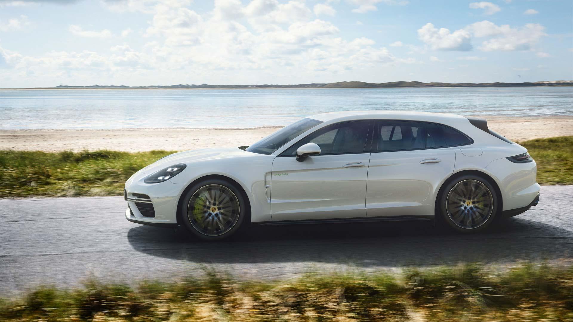 Porsche-Panamera-Turbo-S-E-Hybrid-Sport-Turismo_3